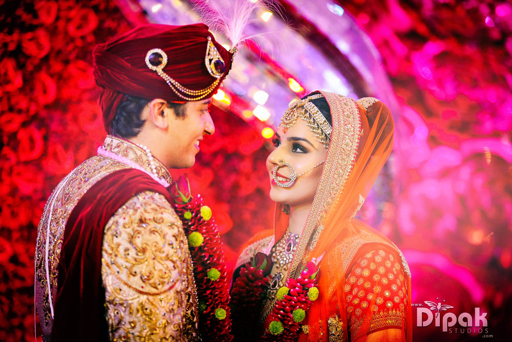 Indian Wedding Couple Photography Couples Of Dipak Studios